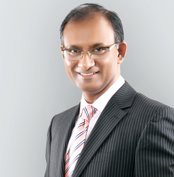 mr divya prakash specialist in knee and hip surgery, specialist knee surgeon in Birmingham, UK